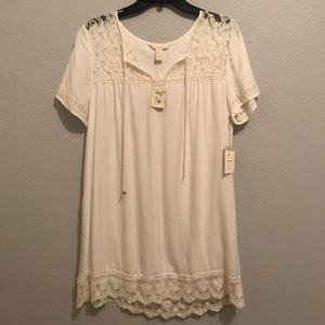 Forever 21 Cream Lace Dress